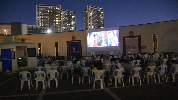 open air cinema days in metro istanbul