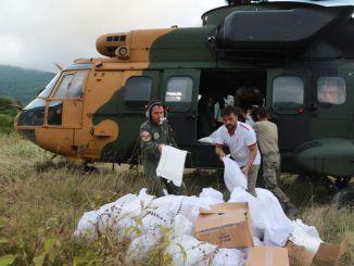 Pomoć nepristupačnim selima prenosi se helikopterima