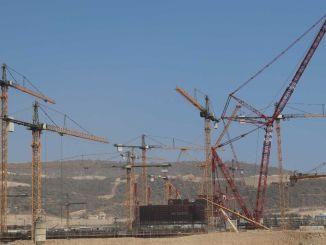 Eden najmočnejših gradbenih žerjavov na svetu je bil naročen pri gradnji akkuyu ngs