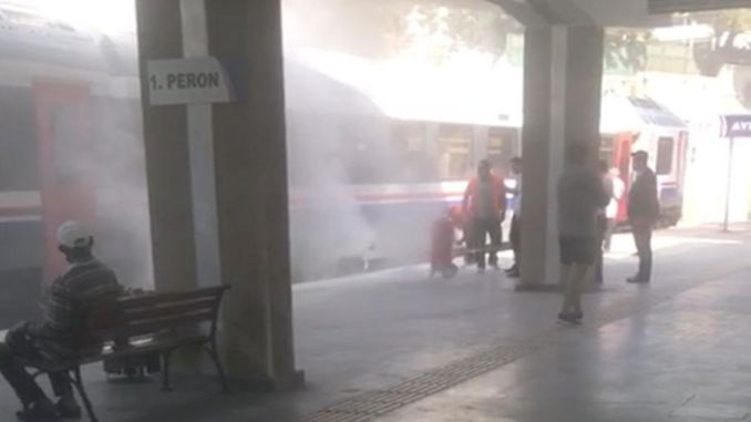 The train that approached the station to take passengers in the morning burned down