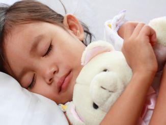 пазите на апнеју за време спавања код деце