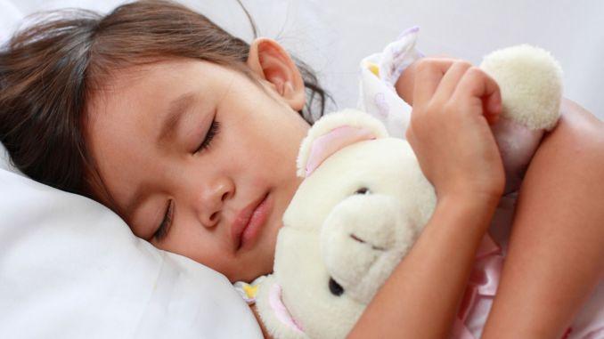 احترس من توقف التنفس أثناء النوم عند الأطفال