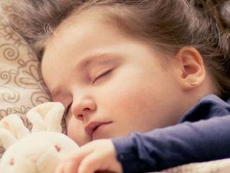 preste atención a los patrones de sueño en los niños