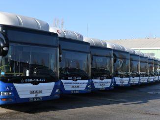 Anunțând veterani pe autobuzele ego