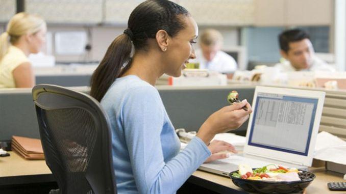 نصائح التغذية الذهبية للعاملين في المكتب