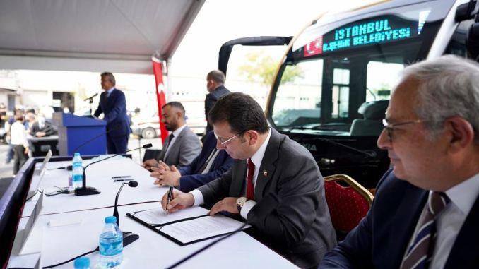 Signatures were signed for the new Otokar metrobus of mega city Istanbul