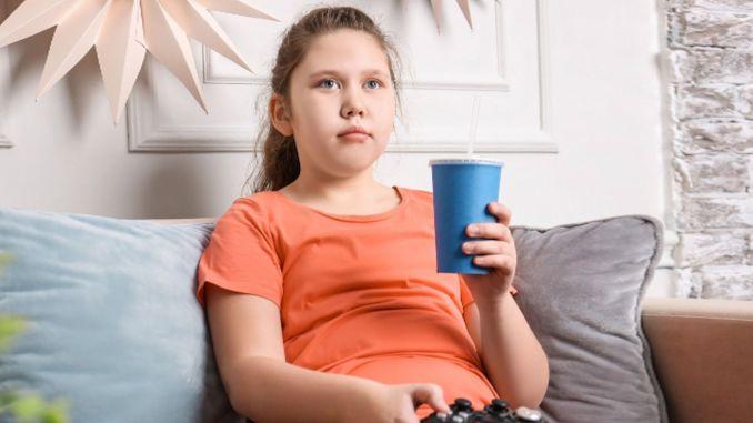 obezite erken ergenligi artiriyor