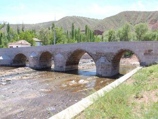 istorijske ruševine most je povratio svoju bivšu slavu