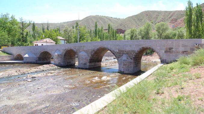 podul ruinelor istorice și-a recăpătat gloria de odinioară