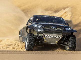 toyota gazoo racing wird mit seinen vier fahrzeugen bei der rallye dakar antreten