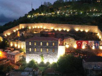 Dekleta, katerih obnova je bila končana v Trabzonu, so bila odprta za obisk samostana.