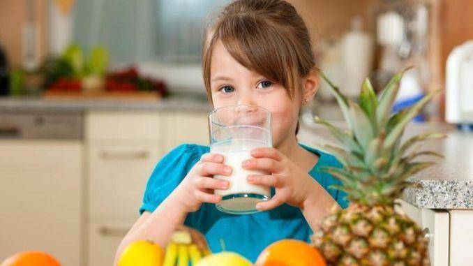 شرب الكثير من الحليب في مرحلة الطفولة يزيد من خطر الإصابة بالحساسية في المستقبل
