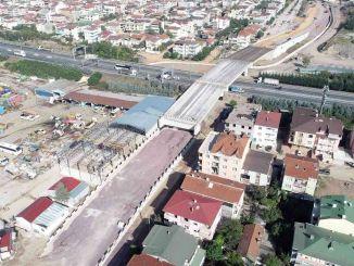 Kocaeli tem Autobahnkreuzungsbalken fertiggestellt