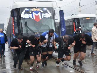 Rekord wurde in Metro Istanbul Strongman Challenge Zugzeichnungsrennen gebrochen
