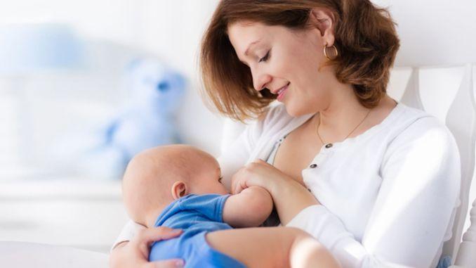 لا تقلقي إذا لم يكن حليبي كافيًا للطفل ، فإليك بعض الاقتراحات لزيادة حليب الثدي