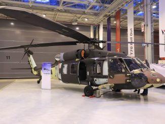 Helikopteri hyvin lähellä ensimmäistä lentoa