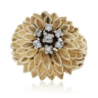 14k Yellow Gold Round Cut Diamond Flower Ring