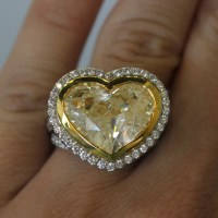 18k Two Tone Gold 8.32ct Heart Shaped Fancy Yellow Diamond ...