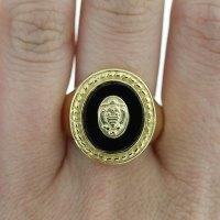 18k Yellow Gold Black Onyx Signet Ring