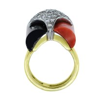 La Triomphe 18k Gold Diamond Coral Black Onyx Ring