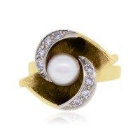 14k Yellow Gold .15ctw Diamond & 6mm Pearl Ring