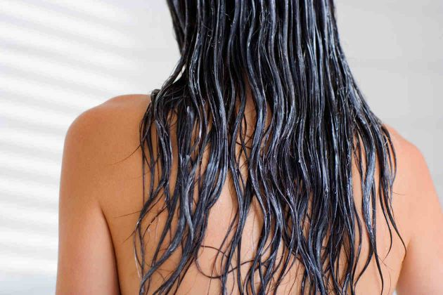 como aplicar sabila en el cabello maltratado