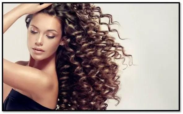 Como hidratar el cabello rizado