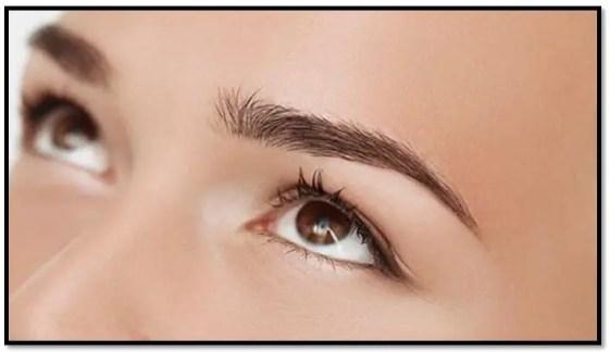como aclarar micropigmentación de cejas