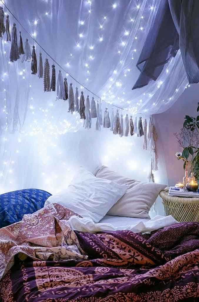 Get to Know How to Decorate Canopy Bed Curtains with Lights | Raysa House