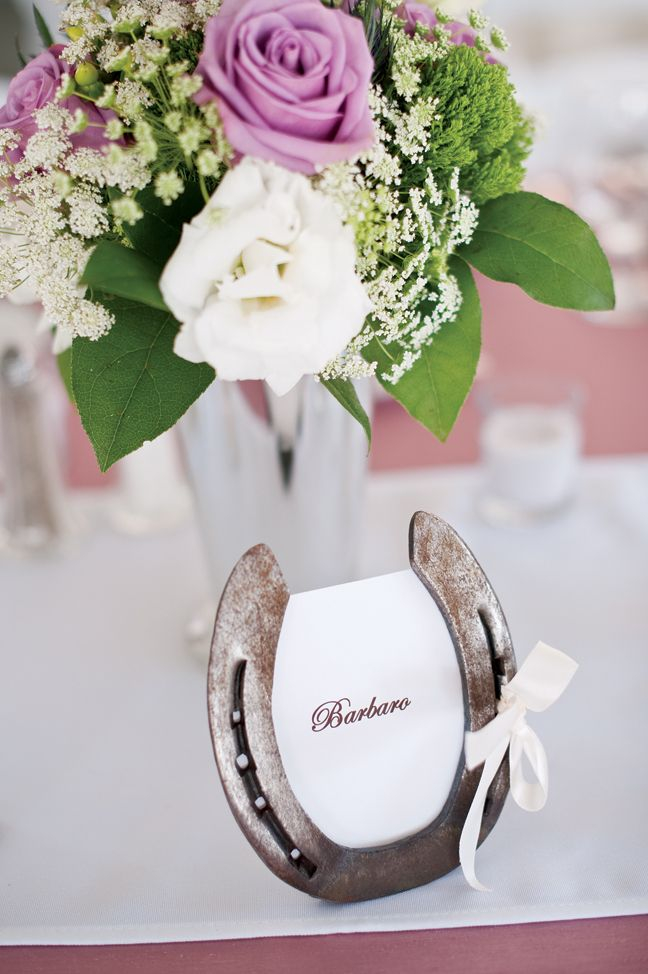 Bring Rustic Vibe, Here Are Western Weddings Decorations Ideas You Can Easily Adopt | Raysa House