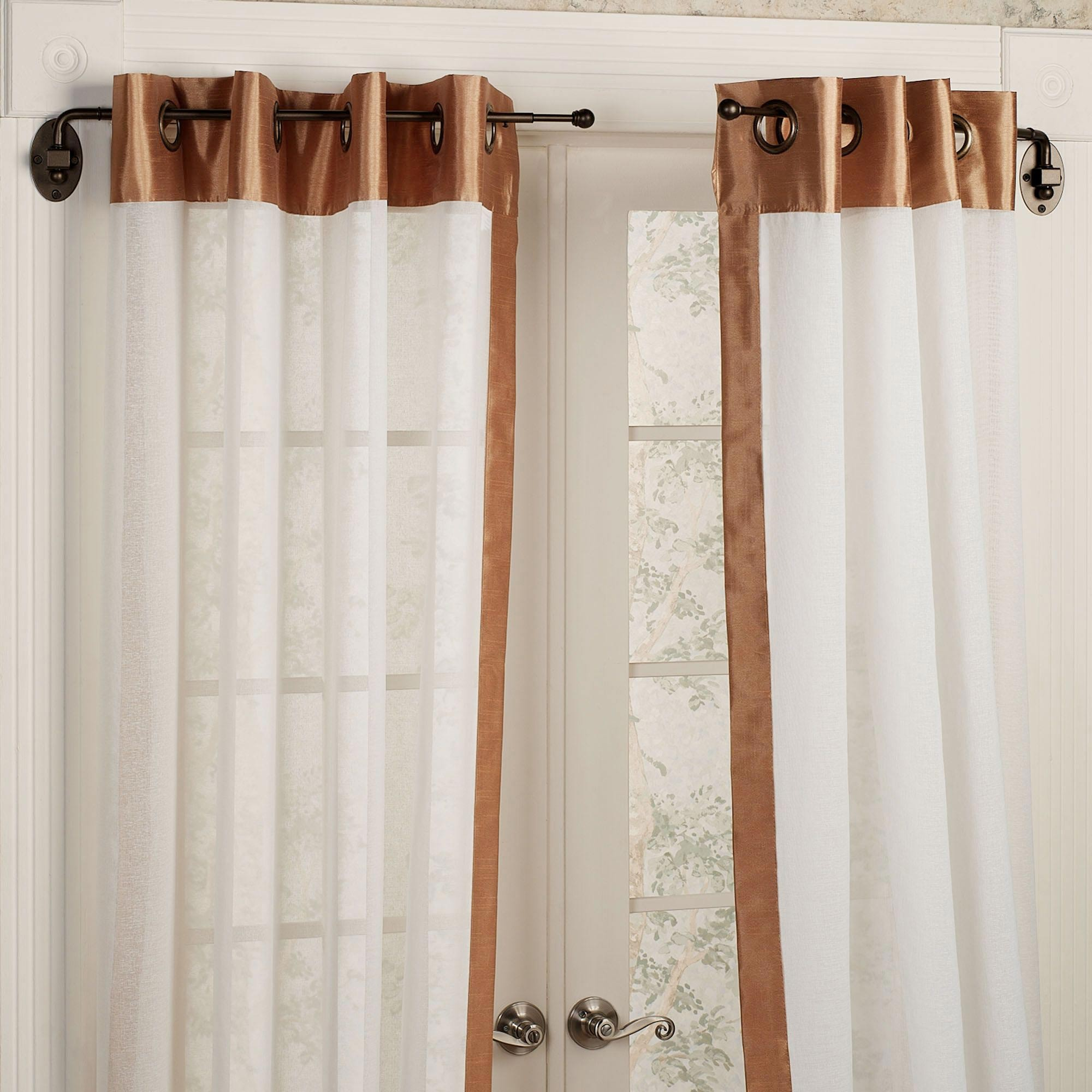 Short Decorative Curtain Rods for Beautiful Living Room Decor