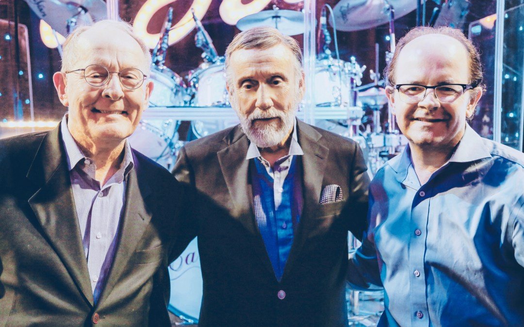 SENATOR LAMAR ALEXANDER ATTENDS RAY STEVENS SHOW AT CABARAY