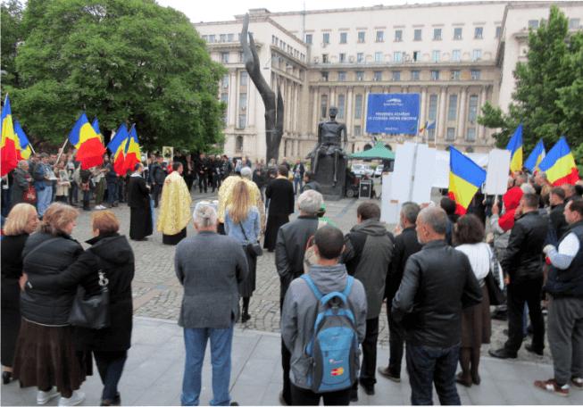 ziua eroilor - Marș început in Piața Revoluției, în memoria celor arestați la 14 mai 1948