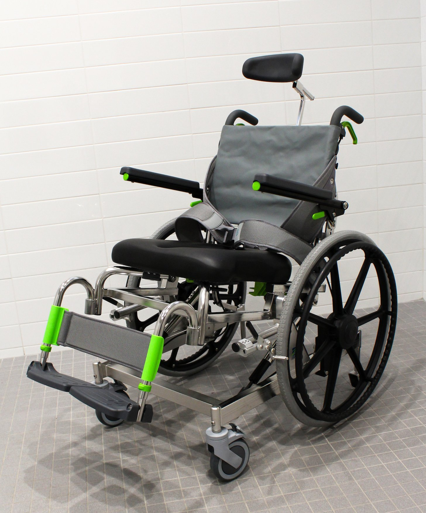 Raz Shower Chair Self Propel Raz At Mobile Shower Commode Chairs Raz