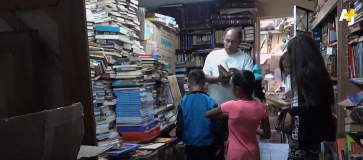 colombiano biblioteca livros crianças