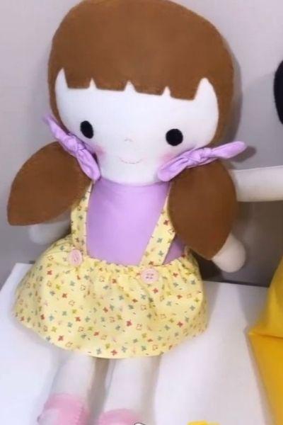 bonequinha feita â mão