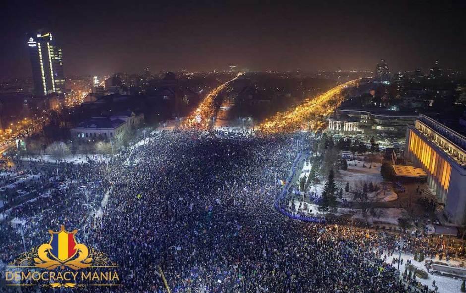 democracy_mania-miting-10-august