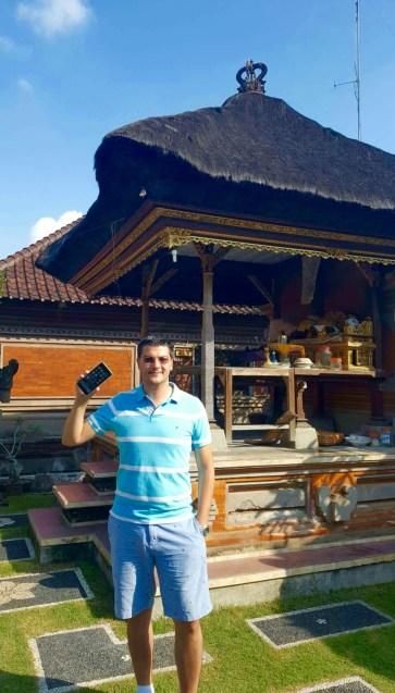 Razvan Pascu in Bali - Bye bye Wifi