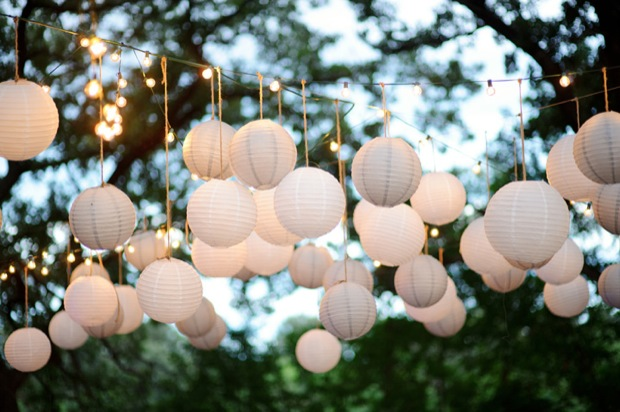 outdoor wedding dancefloor lights