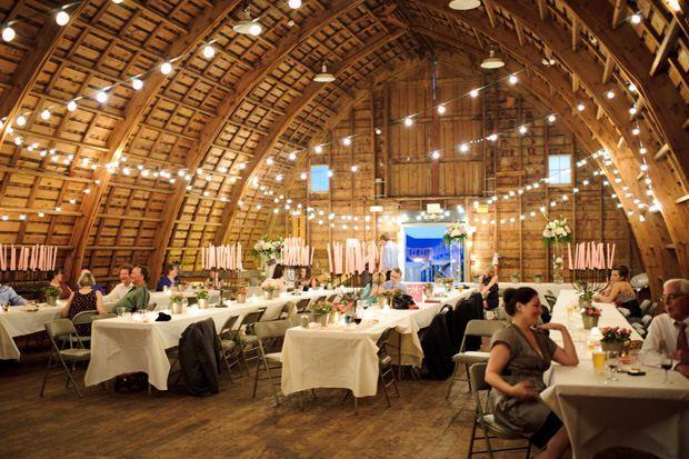 Simpson barn des moines wedding