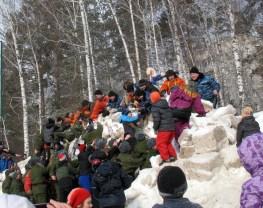 Взятие снежной крепости