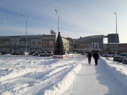 В Советском районе судебные приставы опечатывают торговые центры