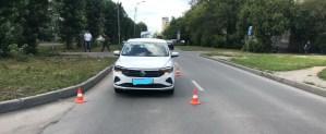 В Новосибирске школьница сломала ногу после наезда «Фольксвагена»