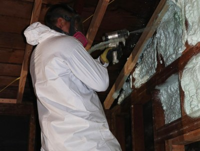 RBH Insulation installing spray insulation in residential construction