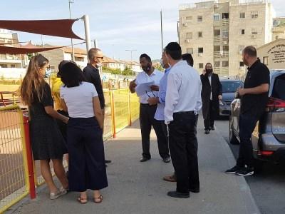 """יוסי גמליאל מציג את הבעיות ברח' החיד""""א"""