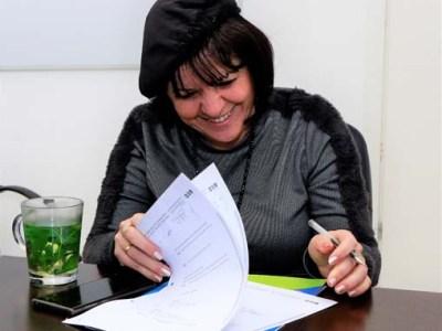 """ראש העיר גב' עליזה בלוך חותמת על ההסכם הקןאליציוני עם תנועת ש""""ס"""