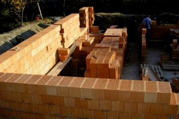 Technology Construction of a brick house