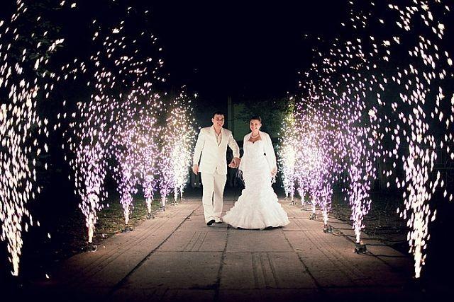 Фейерверки для свадьбы. Фото