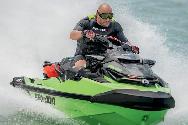 б / в морські лижі Sea-Doo RXT-X