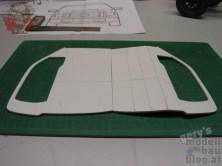 ABS-mit-Fensterausschnitt-Fahrer-und-Beifahrer-geknickt